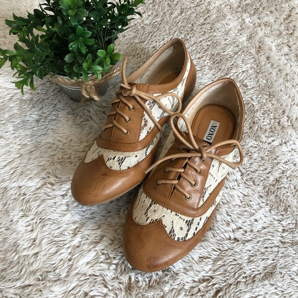 XOXO Shoes | Womens Tan And White Lace